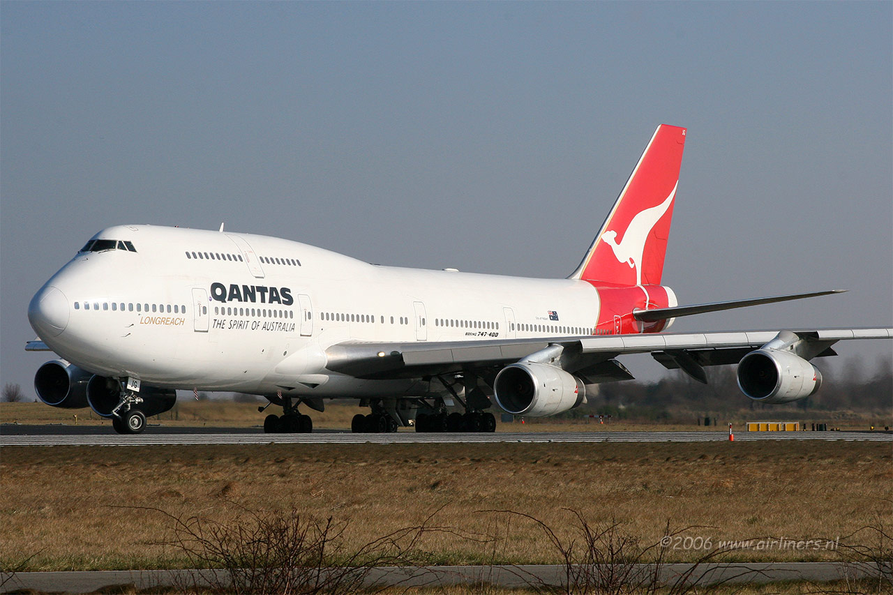 qantas airlines twitter nosedive Qantas airlines: twitter nosedive qantas airlines faced a communication situation that was spiralling out of control qantas had launched a contest through the.